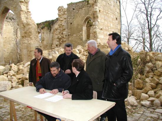 Signature du contrat avec la Fondation - 2004