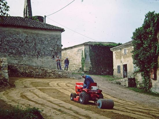 Remise en état du terrain - 1981