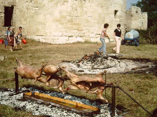 Méchouis, Mounjetados et autres repas